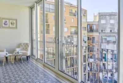 Дизайнерский пентхаус с верандой в центре Барселоны, Eixample